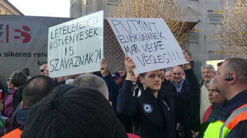 Videón a Fidesz-kampányzáró kisebb balhéja