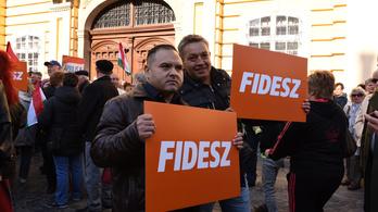 A Fidesz tartja magát, az LMP be se kerülne a parlamentbe