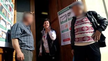 Beregsurányban befeszültek: indok nélkül kitiltottak minket a szavazóhelyiségből