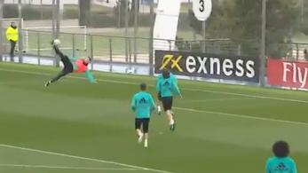C. Ronaldo nagyon belejött az ollózásba