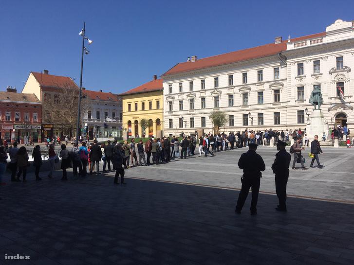 Pécsen a 47-es számú szavazóhelyiség van kijelölve átjelentkezőknek
