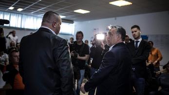 Orbán Viktor teljesen rágyógyult a Facebookra