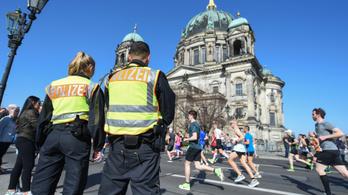 Die Welt: Terroristák késeltek volna a berlini maratonon