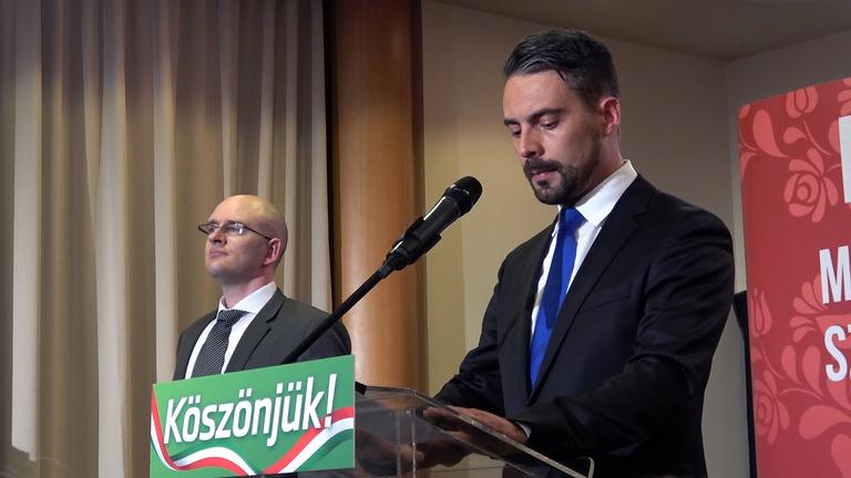Videón, ahogy Vona Gábor bejelenti: lemond a Jobbik éléről