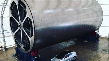 Musk megmutatta, hogy mekkora a Kurva Nagy Rakéta