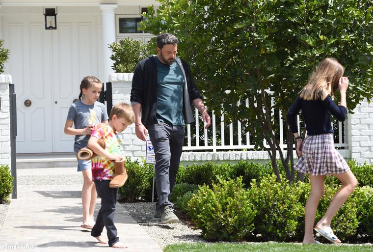 Affleck és barátnője, Lindsay Shookus már hónapok óta keresték a megfelelő helyet maguknak.