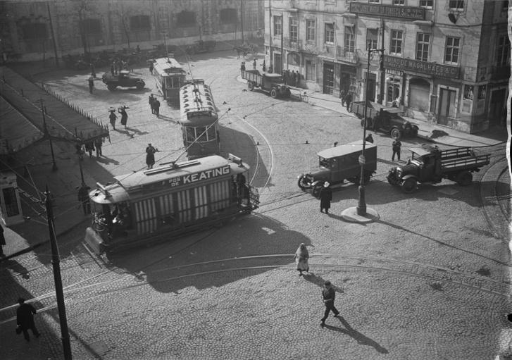 Lisszaboni utcarészlet az 1930-as évekből
