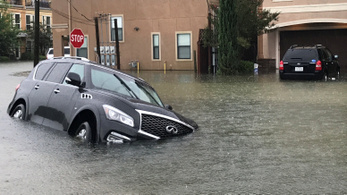 Mégsem ússza meg Európa Harvey vízkáros autóit