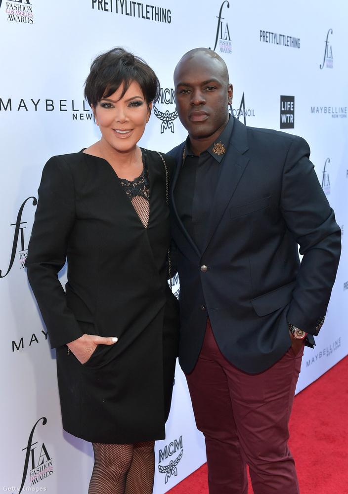 Levezetésképpen Kris Jenner asszonnyal búcsúzunk, aki mellett Corey Gamble áll