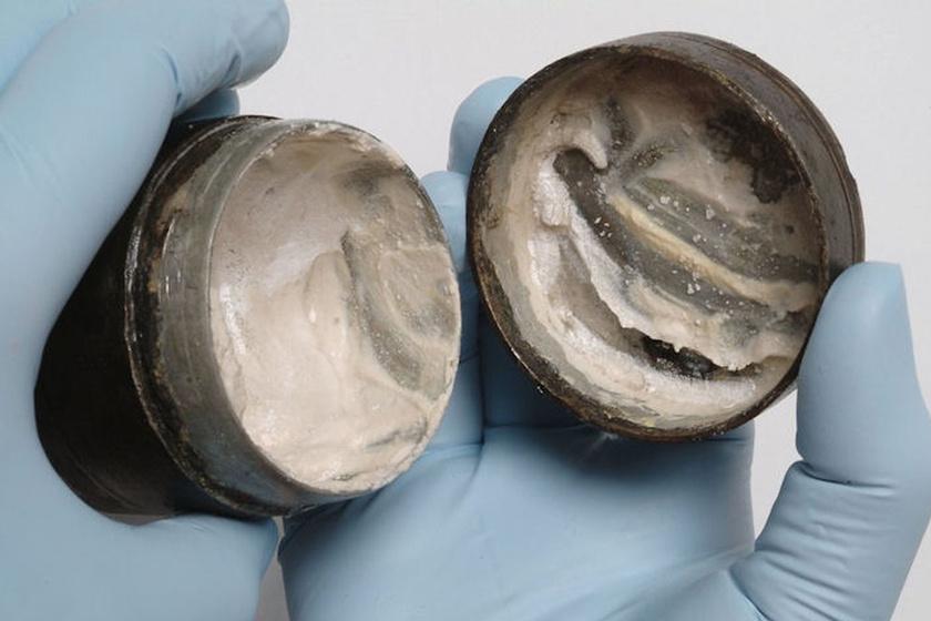 2000 éves arckrémet találtak, még az ujjnyomok is látszanak benne: miből állt régen a kozmetikum?