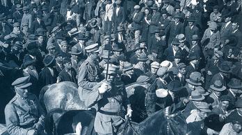 Miért volt minta a magyar politikusoknak a portugál diktatúra?