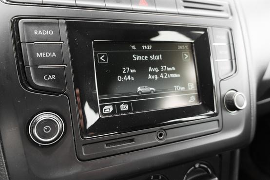 Érintőkijelző Bluetooth csatlakozással