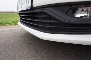 A 2010 környéki Volkswagenek elengedhetetlen sajátossága: a sarkos első lökhárító
