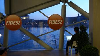 Závecz: Elbizonytalanodtak a Fidesz törzsszavazói
