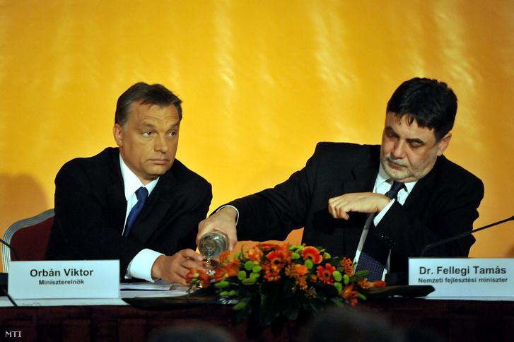 Fellegi Tamás és Orbán Viktor 2010-ben