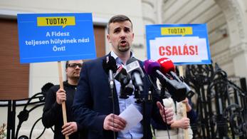 Jobbik: marad a néppártosodás