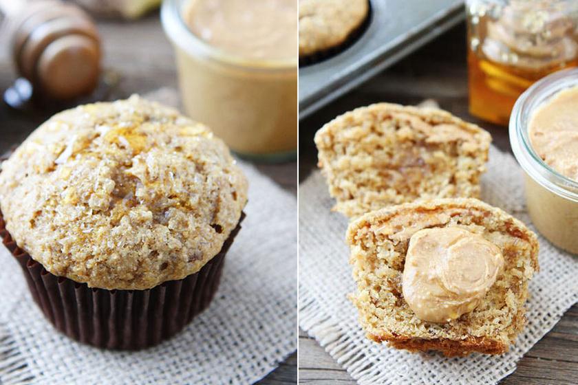 Mogyoróvajas-banános muffin: keverj ki 150 gramm zabpehelylisztet egy kiskanál sütőport, fahéjat és egy csipet sót. Két érett banánt turmixolj össze 30 gramm eritrittel, egy evőkanál kókuszolajjal, egy tojással, egy kiskanál vaníliaaromával és 30 gramm házi mogyoróvajjal.