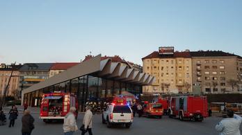 Kiürítették a Széll Kálmán téri metrómegállót