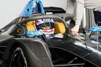 Már próbálgatják a következő gyári BMW versenygépet