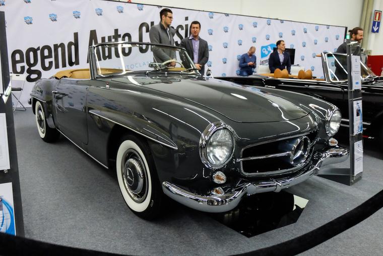 Mercedes-Benz 190 SL (1957), Esseni ár: 177 000 euró/54,9 millió forint.Katalógusár: 166 000 euró/51,5 millió forint.Állapot: kvázi tökéletes, restaurált