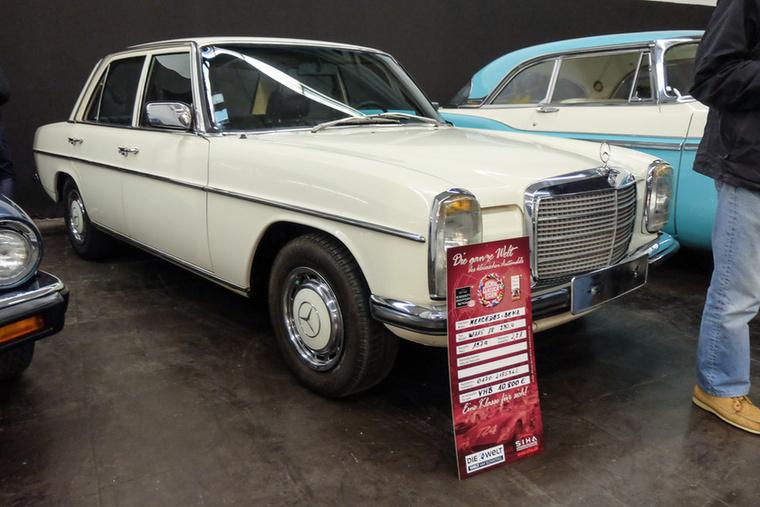 Mercedes-Benz 230.6 (1974), Esseni ár: 10 800 euró/3,35 millió forint.Katalógusár: 7300 euró/22,6 millió forint.Állapot: kicsit itt-ott levert, Note 2-, Note 3+ között lehet