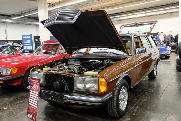 Mercedes-Benz 280 TE (1983), Esseni ár: 21 990 euró/6,81 millió forint.Katalógusár: 29 000 euró/9 millió forint.Állapot: 7 ülés, klíma, SSD, ABS, SRS, gyönyörű