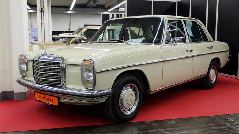 Mercedes-Benz 230 (1972), Esseni ár: 38 750 euró/12 millió forint.Katalógusár: 21 600 euró/6,7 millió forint.Állapot: 51 000 km, automata, eredeti