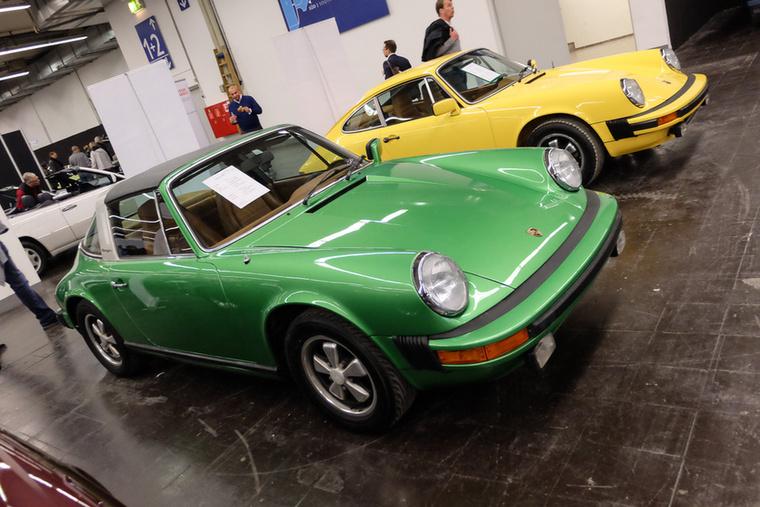 Porsche 911 Targa (1977), Esseni ár: 59 911 euró/18,5 millió forint.Katalógusár: 45 700 euró/14,1 millió forint.Állapot: 2.7S motor, új fényezés