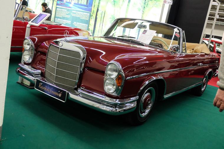 Mercedes-Benz 300 SE Cabriolet (1963), Esseni ár: 178 000 euró/55,2 millió forint.Katalógusár: 159 000 euró/49,3 millió forint.Állapot: nagyrészt restaurált autó