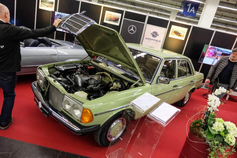 Mercedes-Benz 200 (1978), Esseni ár: 18 998 euró/5,9 millió forint.Katalógusár: 14 500 euró/4,5 millió forint.Állapot: 93 000 km, automata, szervó, gyönyörű, megszólal