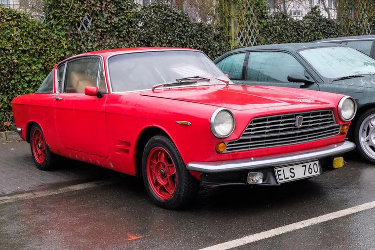 Fiat 2300S Abarth Coupé (1964), Esseni ár: 16 500 euró/5,1 millió forint.Katalógusár: 20 000 euró/6,2 millió forint.Állapot: eléggé lestrapált