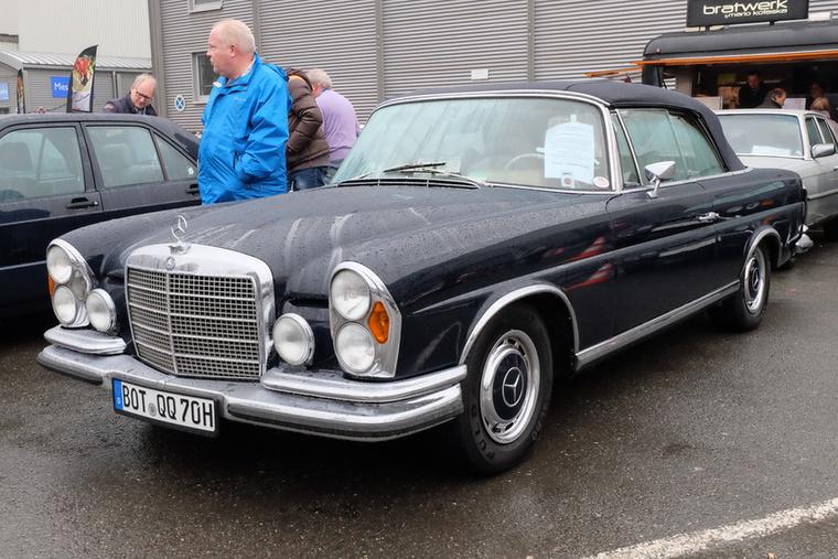 Mercedes-Benz 280 SE Cabrio 3.5 (1970), Esseni ár: 129 900 euró/40,2 millió forint.Katalógusár: 230 000 euró/71,3 millió forint.Állapot: részben restaurált