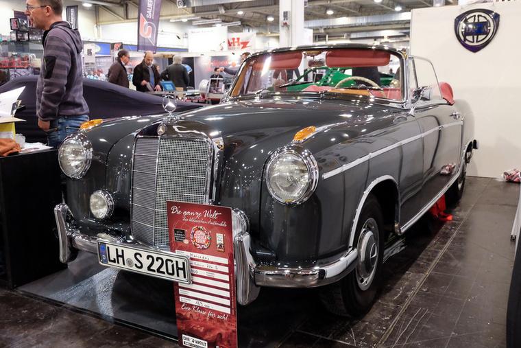 Mercedes-Benz 220 S Cabrio (1960), Esseni ár: 169 000 euró/52,4 millió forint.Katalógusár: 167 000 euró/51,8 millió forint.Állapot: gyönyörű