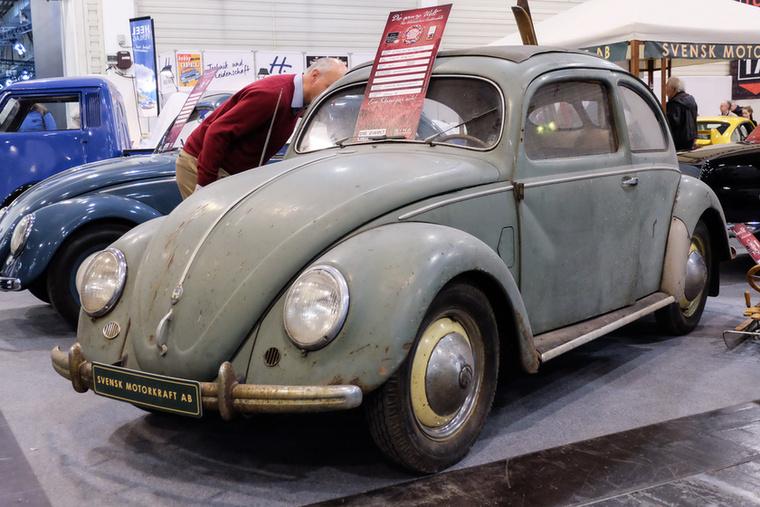 Volkswagen 1200 osztott (1951), Esseni ár: 39 000 euró/12,1 millió forint.Katalógusár: 13 000 euró/4 millió forint.Állapot: svéd pajtalelet