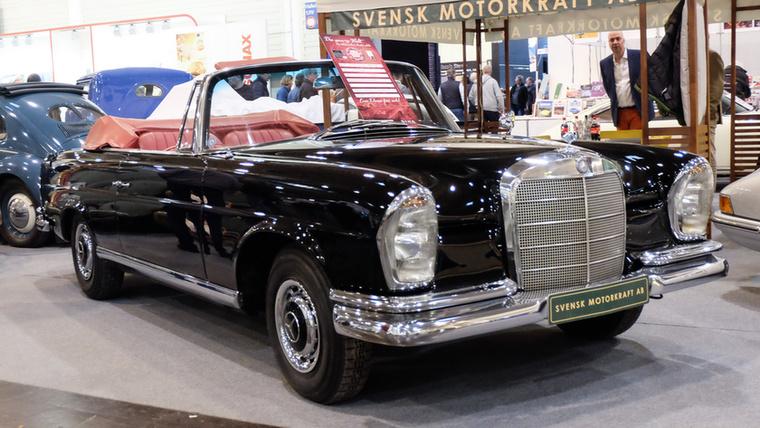Mercedes-Benz 220 SEb Cabrio (1963), Esseni ár: 95 000 euró/29,5 millió forint.Katalógusár: 100 000 euró/31 millió forint.Állapot: megmaradt elég szép állapotban