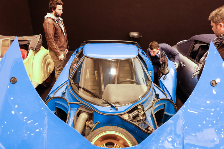 Lancia Stratos HF (1975), Esseni ár: 395 000 euró/122,5 millió forint.Katalógusár: 450 000 euró/139,5 millió forint.Állapot: 12 700 km, patinás, majdnem új