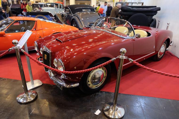 Lancia Aurelia B24 Spider (1955), Esseni ár: 902000 euró/279620000 forint.Katalógusár: 1 millió  euró/310 millió forint.Állapot: gyönyörű