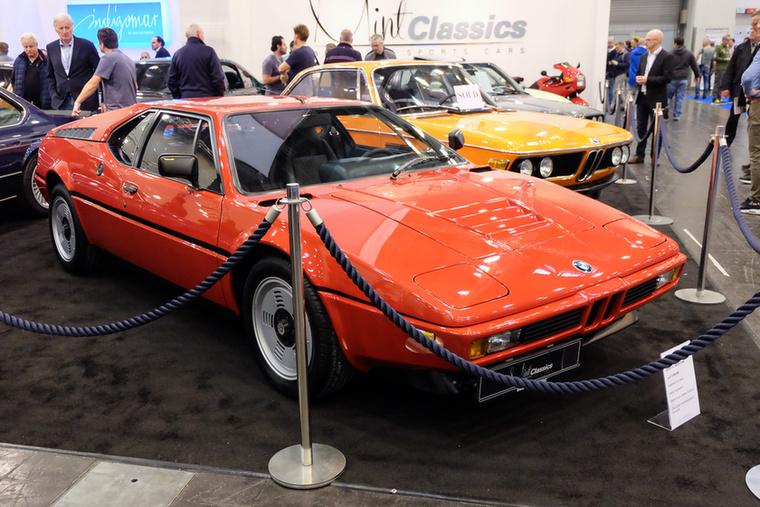 BMW M1 (1980), Katalógusár: 850 000 euró/263,5 millió forint.Állapot: pajtalelet, soha nem volt forgalomba állítva, lehet, hogy a világ legjobb példánya, 7329 km (Note 1 értéke 600 ezer euró lenne)