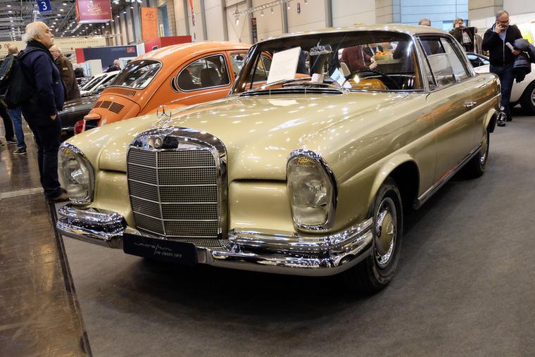 Mercedes-Benz 250 SE Coupé (1963), Esseni ár: 64 500 euró/20 millió forint.Katalógusár: 52 000 euró/16,1 millió forint.Állapot: szép