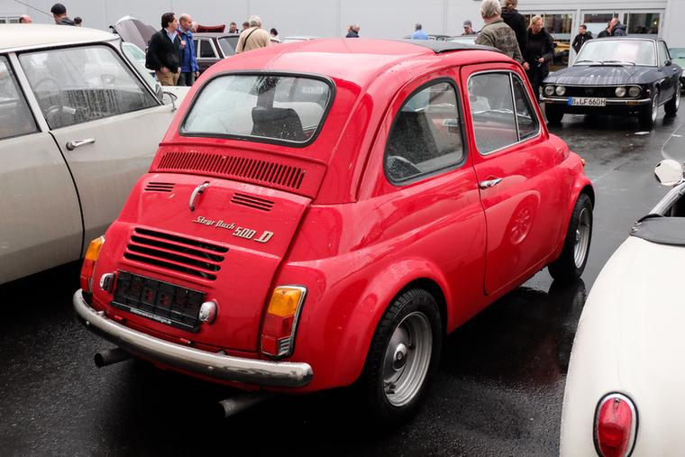 Steyr-Puch 500/650 TR umbau (1960), Esseni ár: 20 000 euró/6,2 millió forint.Katalógusár: 15 000 euró/4,65 millió forint.Állapot: közepesen igényes (vagy igénytelen?) TR-átépítés, az évjárat nagyon nem stimmel, mert 1966 utáni a karosszéria