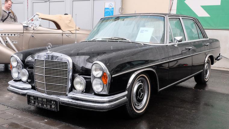 Mercedes-Benz 300 SEL (1970), Esseni ár: 39 990 euró/124 millió forint.Katalógusár: 31 600 euró/9,8 millió forint.Állapot: tenerifei német konzul autója volt, légrugó felújítva, szép