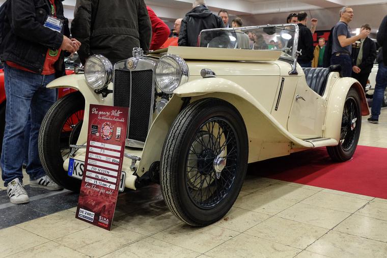 MG PA (1934), Esseni ár: 37 000 euró/11,5 millió forint.Katalógusár: 39 500 euró/12,2 millió forint.Állapot: szép, 850 cm3-es motor