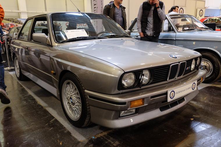 BMW E30 M3 (1988), Esseni ár: 67 500 euró/20,9 millió forint.Katalógusár: 66 900 euró/20,7 millió forint.Állapot: egész szép