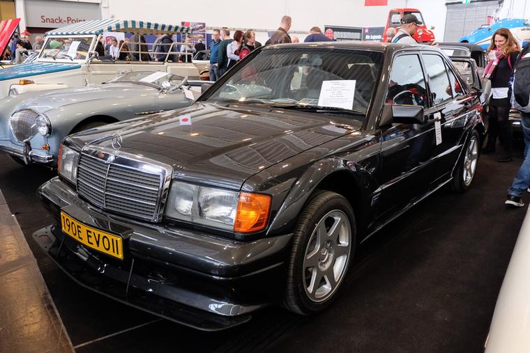 Mercedes-Benz 190 E 2.5-16 Evo II (1990), Esseni ár: 219 500 euró/68 millió forint.Katalógusár: 200 000 euró/62 millió forint.Állapot: teljesen újjáépített, 47 000 km