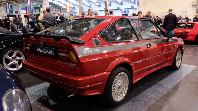 Alfa Romeo Alfasud Sprint Grand Prix (1985), Esseni ár: 24 500 euró/7,6 millió forint.Katalógusár: 17 000 euró/5,3 millió forint.Állapot: gyönyörű  (katalógusár becsülve), ritka alszéria