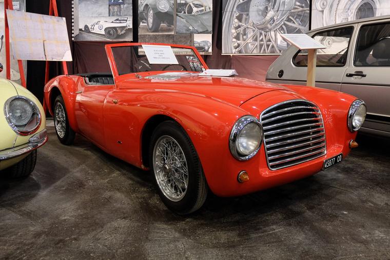 Gilco 205 Spider Zagato (1951), Esseni ár: 215 000 euró/66,7 millió forint.Állapot: Mille Migliára benevezhető!