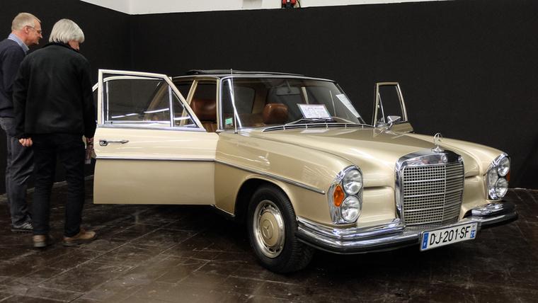 Mercedes-Benz 280 SE (1971), Esseni ár: 14 900 euró/4,6 millió forint.Katalógusár: 9500 euró/2,9 millió forint.Állapot: erősen használt, Note 3-, szarul belevágott és rosszul működő vászontető