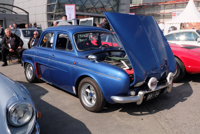 Renault Dauphine Gordini tuning (1965), Esseni ár: 15 000 euró/4,7 millió forint.Katalógusár: 10 000 euró/3,1 millió forint.Állapot: 90 LE, 1,1 l a motor, erősen használt, kopottas