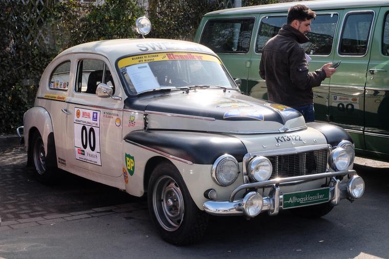Volvo PV544 (1962), Esseni ár: 19 500 euró/6 millió forint.Állapot: ralivágen, csövezett, ütött-kopott, 152 lóerős, rali-homológ, 2017-ig az olofströmi Volvo-múzeumban volt