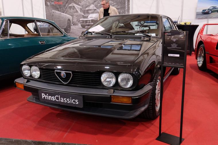 Alfa Romeo GTV6 (1982), Esseni ár: 29 900 euró/9,3 millió forint.Katalógusár: 35 900 euró/11,1 millió forint.Állapot: gyönyörű